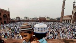 कोरोना कहर बीच मुस्लिम समुदायको चाड इद उल फित्र मनाइँदै