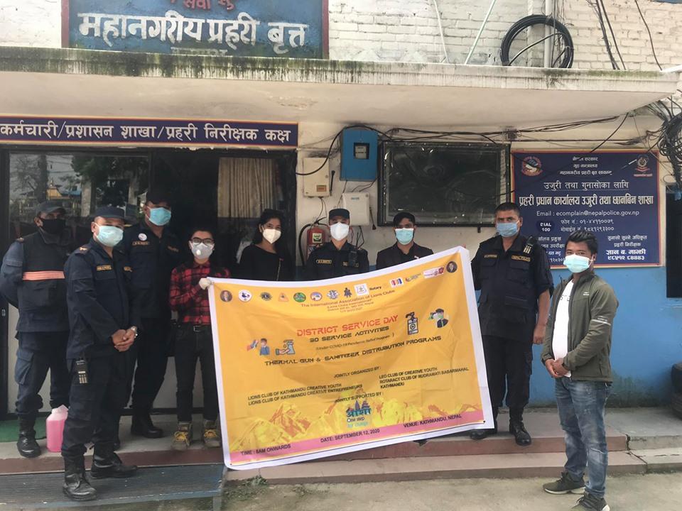 राेट्रयाक्ट रूद्रमति बबरमहल काठमाडौंद्वारा स्वास्थ्य साम्रगी वितरण