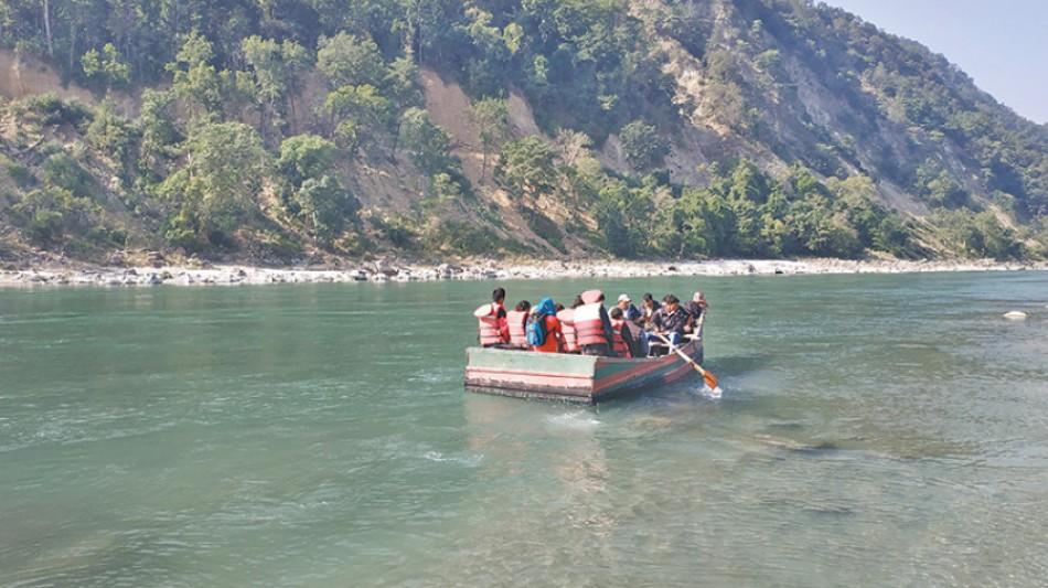 महाकाली नदीमा जलयात्रा शुरु