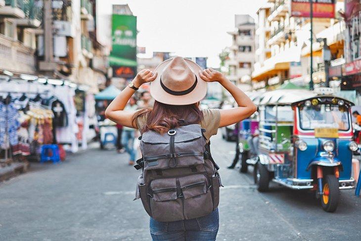 भिसा सकिएका पर्यटक आफ्नो देश फर्कन् मानेनन्