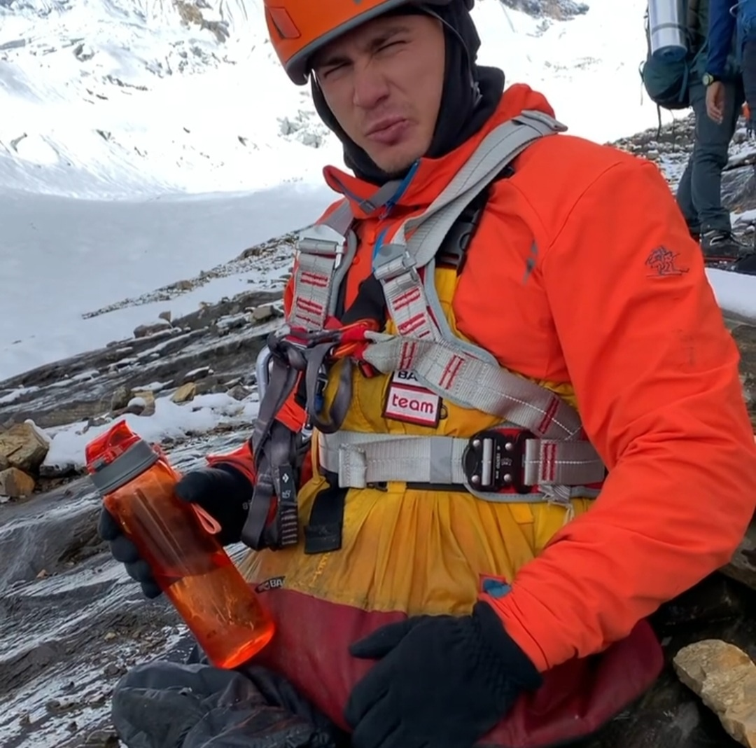 Double amputee Rustam Nabiev successfully scales Mt Manaslu